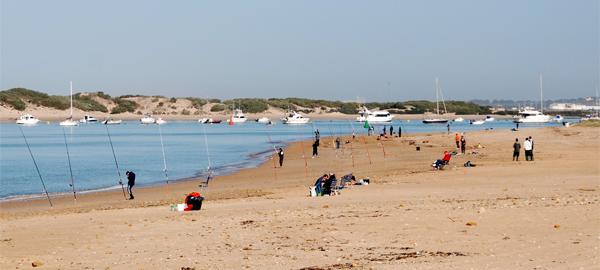 Un sistema para detectar la contaminación del agua en las playas La Barrosa de Chiclana