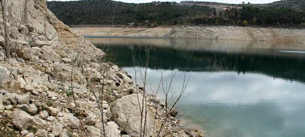 Los embalses de la cabecera del Tajo cierran el año a menos del 13% de su capacidad