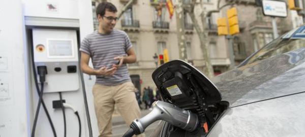 Barcelona, la ciudad que más compra vehículos verdes