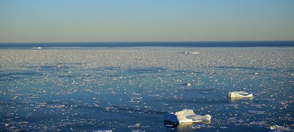 El cambio climático acelera el deshielo en Groenlandia
