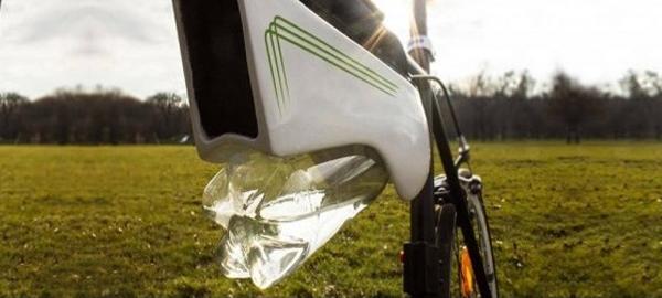 Un austríaco inventa una botella capaz de convertir el aire en agua