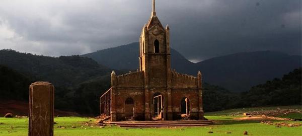Las ruinas de Potosí se quedan al descubierto por la escasez de agua
