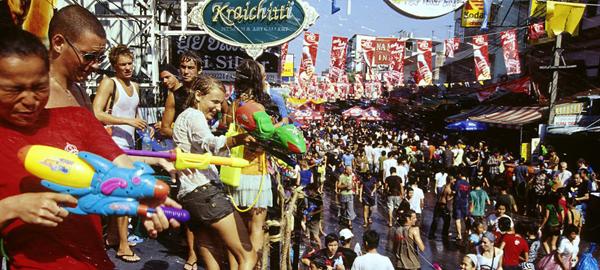 Tailandia celebra la fiesta del agua