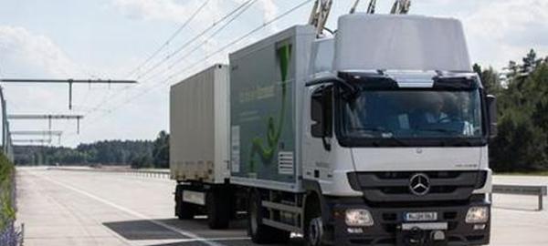Suecia prueba la primera carretera eléctrica del mundo