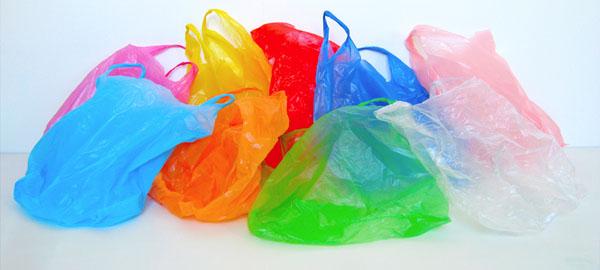 El impacto medioambiental que tiene el uso indiscriminado de bolsas de plástico