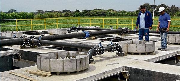 Dos empresas españolas desarrollan el primer combustible procedente de aguas residuales