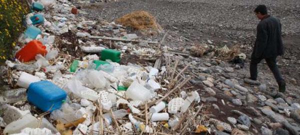 El plástico puede ahogar al Mediterráneo