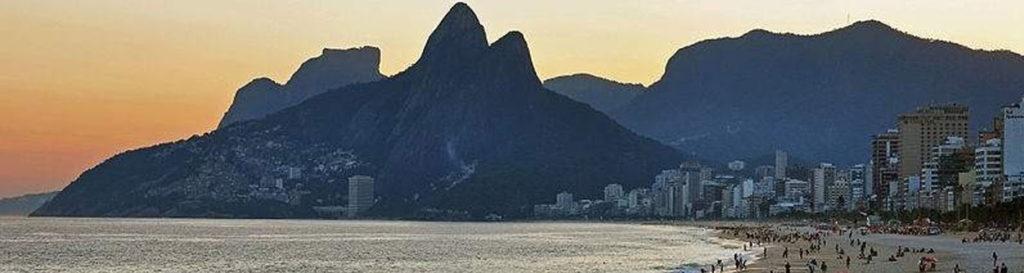 La contaminación acaba con las paradisíacas playas de Brasil