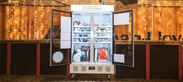 Un refrigerador comunitario para reducir el desperdicio de alimentos