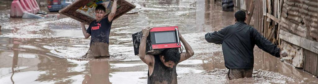 Al menos 62 muertos y 62.000 damnificados por inundaciones en Perú