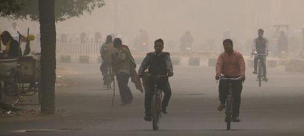 India alcanza a China en muertes por contaminación