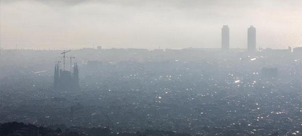Cinco contaminantes del aire de Barcelona ponen en riesgo la salud de los ciudadanos