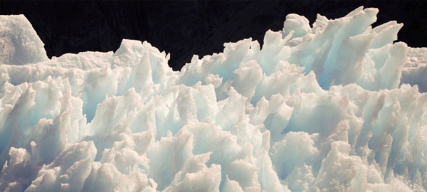 Emiratos Árabes quiere remolcar un iceberg para conseguir agua potable