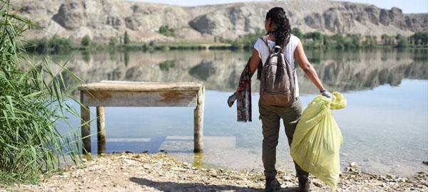 5.000 voluntarios recogen basura abandonada en espacios naturales
