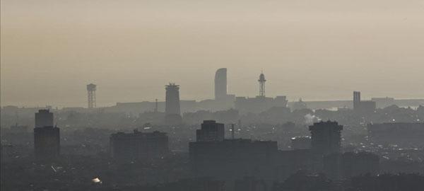 Barcelona restringirá el tráfico por contaminación desde el 1 de diciembre