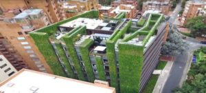 Un jardín vertical de 3 mil metros cuadrados