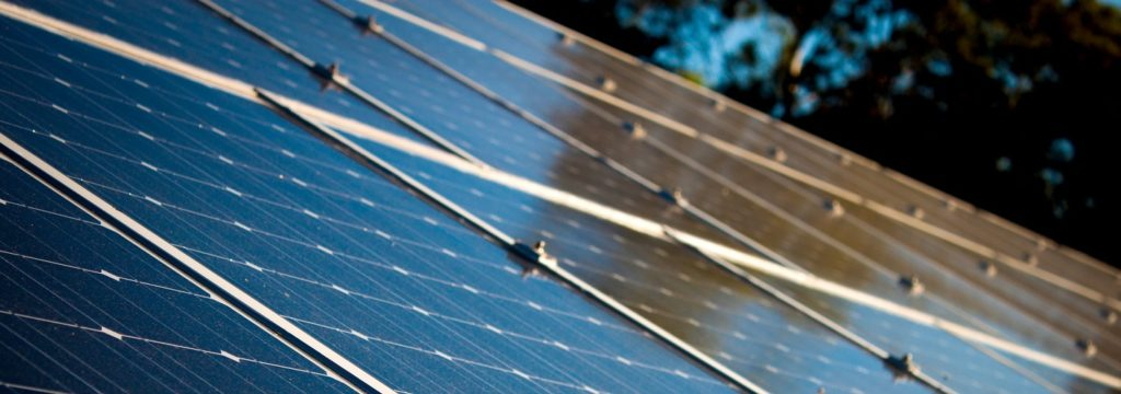 Un nuevo panel solar genera hasta cinco litros de agua potable al día solo con vapor