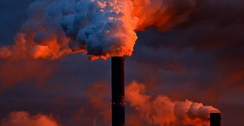 El Gobierno andaluz sancionará a las empresas que no reduzcan sus emisiones