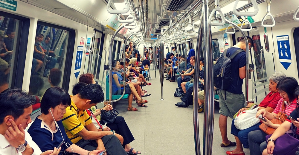 Singapur regulará el tránsito automovilístico a partir de 2018