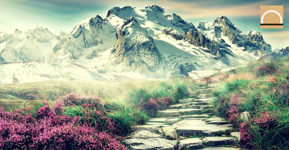 La NASA indica que la altitud de las montañas se debe al agua que acumulan