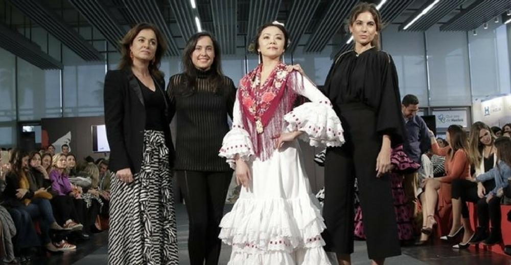 Ecoembes presentó un diseño con tejidos reciclados en el Salón Internacional de la Moda Flamenca