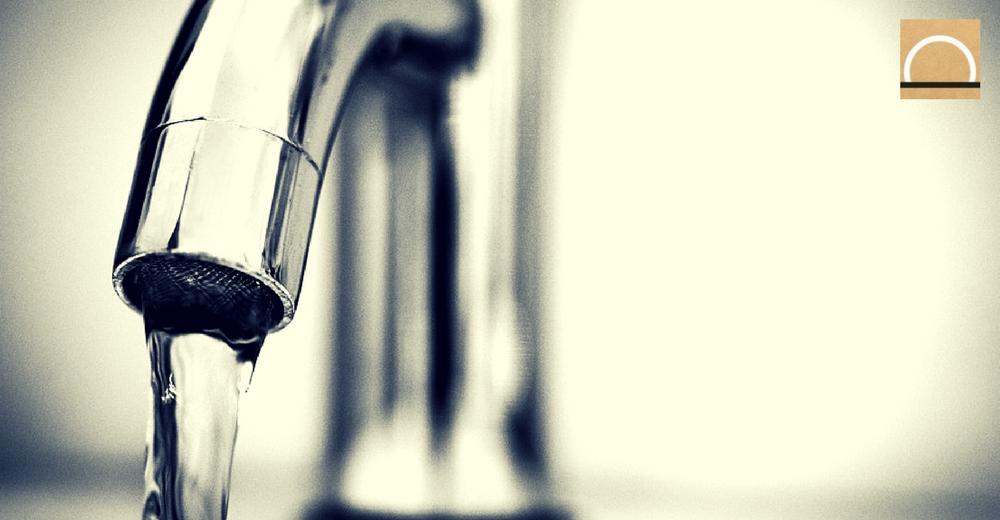 La CE incita a beber más agua del grifo para reducir el uso de plástico