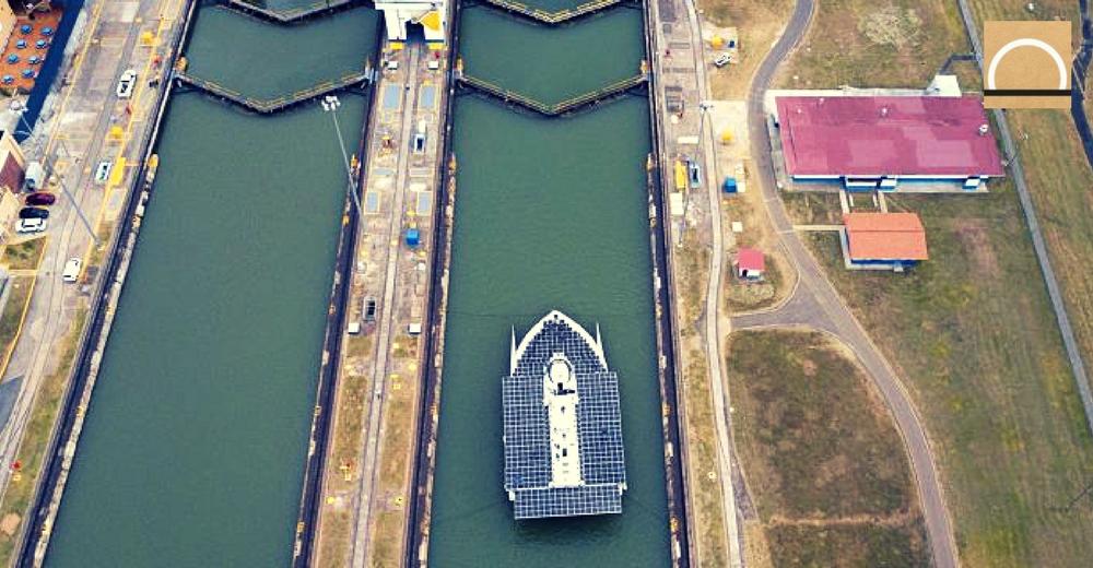 El enorme catamarán Race for Water y su lucha contra la contaminación plástica