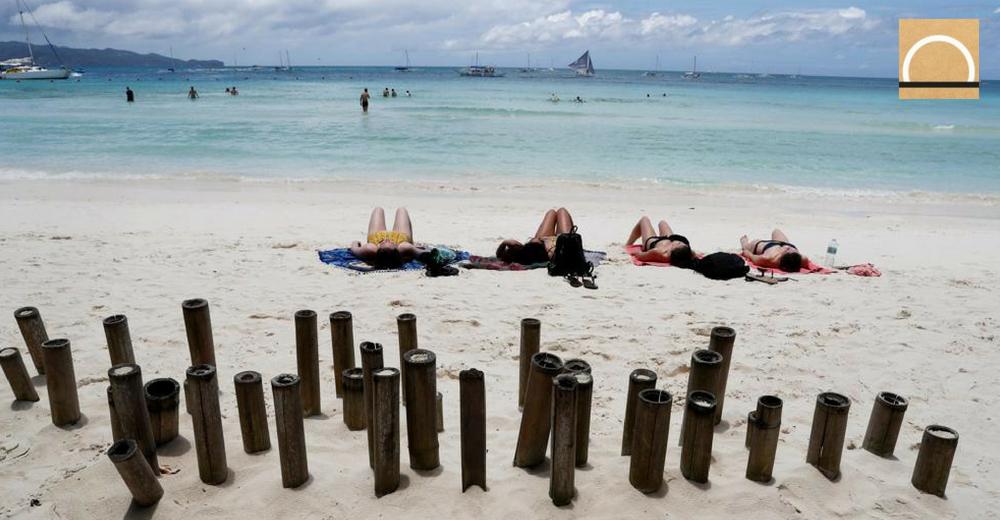 Cada playa de las islas del Mediterráneo recibe 300.000 residuos al día