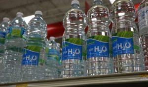 El sector del agua embotellada presenta un acuerdo por la sostenibilidad y la circularidad