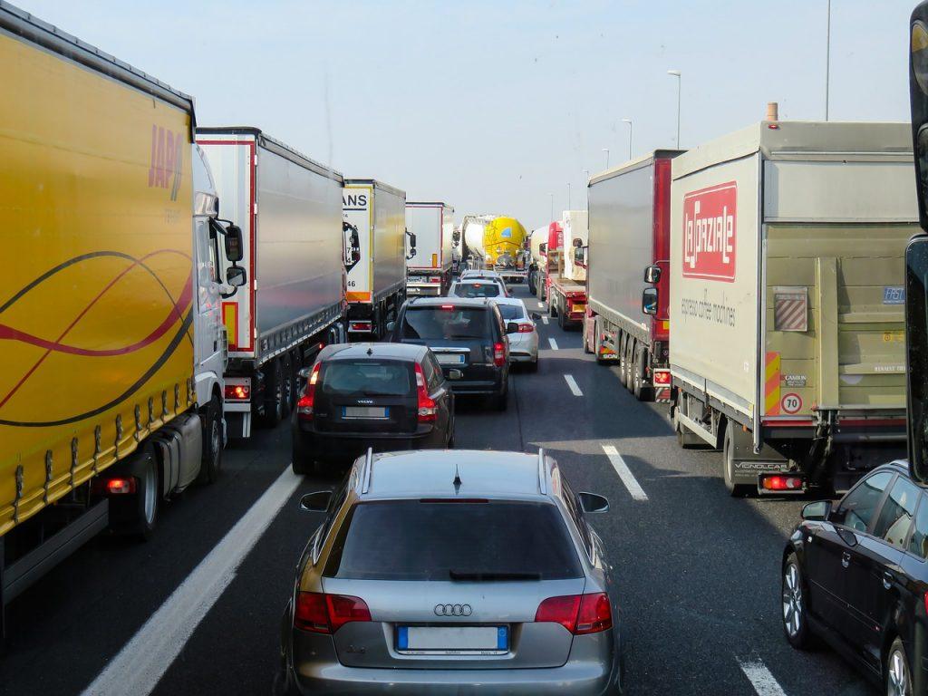 Acuerdo para reducir las emisiones de coches en un 35%