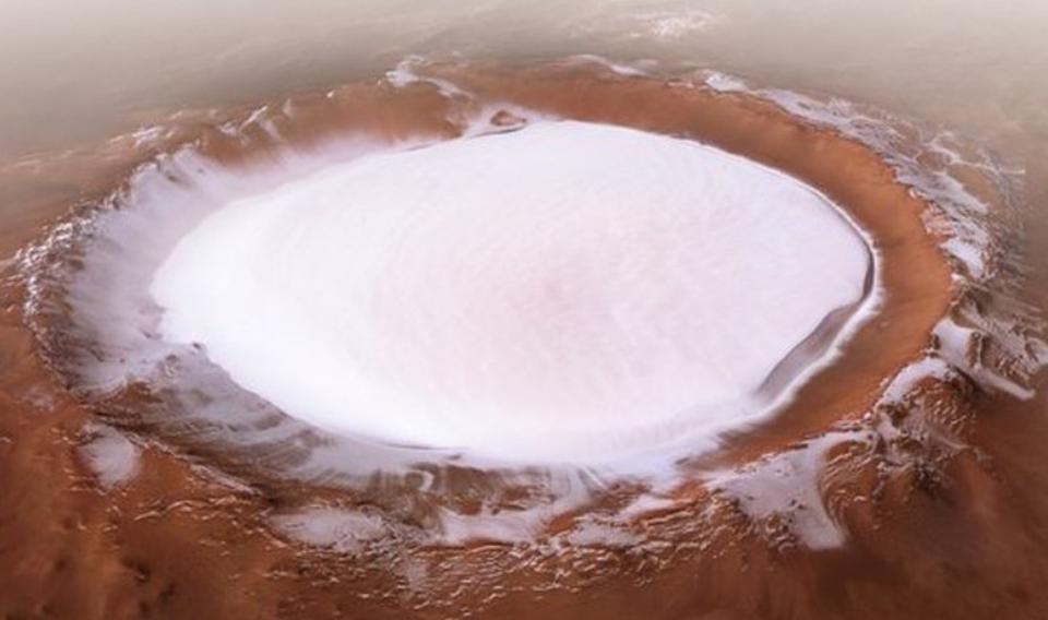 Un cráter de hielo eterno en Marte