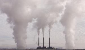 Los españoles piden más esfuerzos a las empresas en la lucha contra el cambio climático
