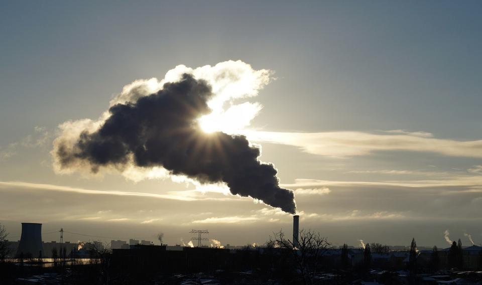 La concentración media de CO2 registra un nuevo máximo y sigue al alza