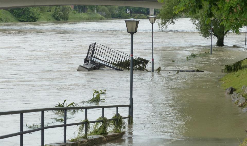 Matemáticas para predecir el comportamiento de los diques fluviales durante las crecidas