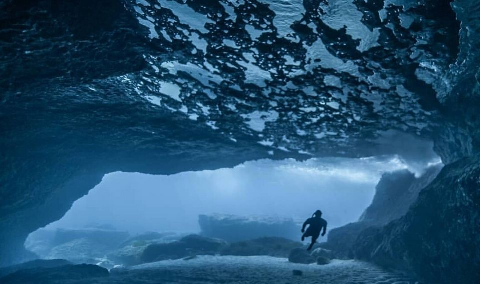 PhotoAquae 2020: 'Underwater caves'