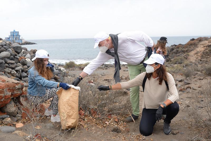 La Fundación Acuorum conciencia a alumnos de primaria de Arona sobre la contaminación marina
